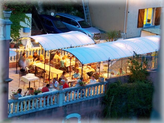 Hotel de rennes les bains rennes le chateau - Cafe des bains rennes ...
